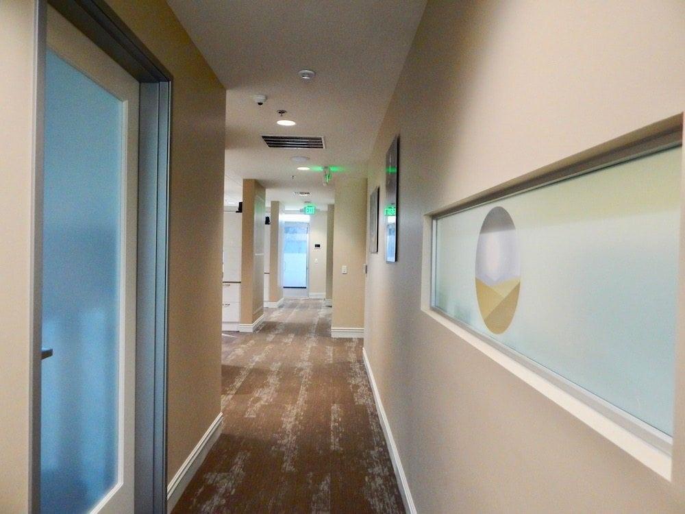 Desert Pearl Dentistry office hallway